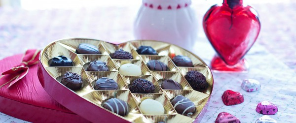 Valentine's Day is coming and Parisian chocolatiers are at work!